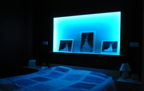 Chambre, tête de lit, luminaire, Virton, Province Luxembourg, Belgique